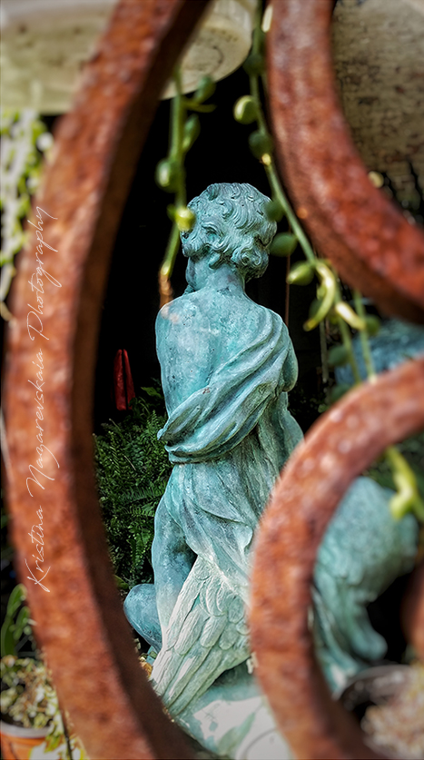 NEW Kristina Nazarevskaia Photography, Elizabeth Street Garden 2019 statue c.jpg