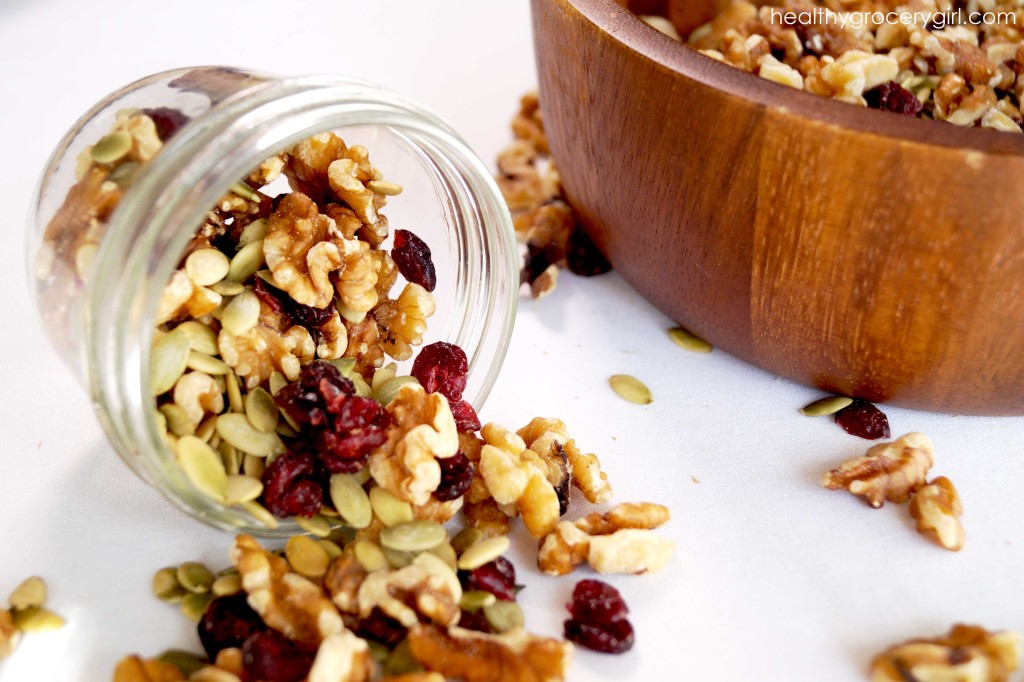 Trail mix with nuts, seeds and dried fruit, www.agewelleatwell.com