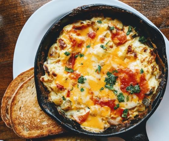 egg omelette eaters-collective-447690-unsplash (2).jpg