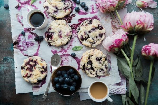 blueberry scones brooke-lark-96787-unsplash.jpg