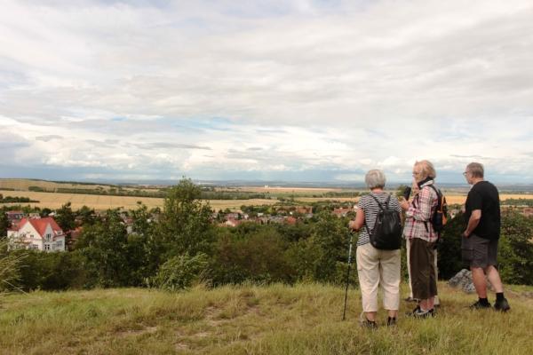 hiking lucie-hosova-372401-unsplash.jpg