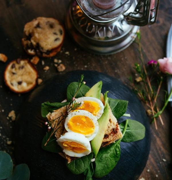 eggs on toastjoseph-gonzalez-176749-unsplash.jpg