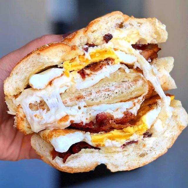 #cheesepulling breakfast @fransdeli via @brbcookingdinner
