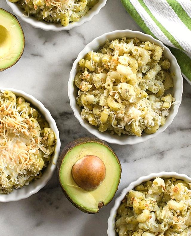 Featured on @doctoryumproject, Avocado Mac & Cheese is a lighter, healthier alternative to traditional Mac & Cheese.  Use our Avocado 5-In-1 tool to prepare!⠀ ⠀ Ingredients:⠀ ⠀ 4 cups cooked elbow macaroni, drained (can use whole grain pasta if you prefer)⠀ ⅛ teaspoon garlic salt⠀ 2 avocados⠀ 1 lime, juiced⠀ 1 clove garlic⠀ 4 ounces soft crumbled goat cheese⠀ ¼ teaspoons red pepper flakes⠀ 1 tablespoon basil, chopped⠀ ¼ cup milk⠀ ½ cup Mozzarella cheese⠀ ¼ cup panko bread crumbs⠀ Directions: ⠀ ⠀ Add avocado, garlic salt, lime juice, garlic, goat cheese, red chili flakes, basil, and milk in a food processor or blender and pulse until smooth. Pour over cooked macaroni and mix until coated. Place macaroni mixture into an oven safe baking dish and sprinkle the top with mozzarella and Panko bread crumbs. Broil for 7 to 8 minutes or until cheese is melted. Serve warm.⠀