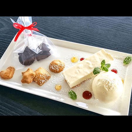 4. みんなで頑張って作ったクッキーと超人気店のチーズケーキ