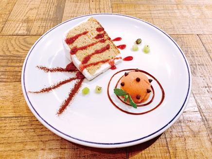 テントモン&ゴマモンのスイーツプレート | Tentomon &   Gomamon Sweet Plate 1,200円   Only available for part 2 (7/22 - 7/31)
