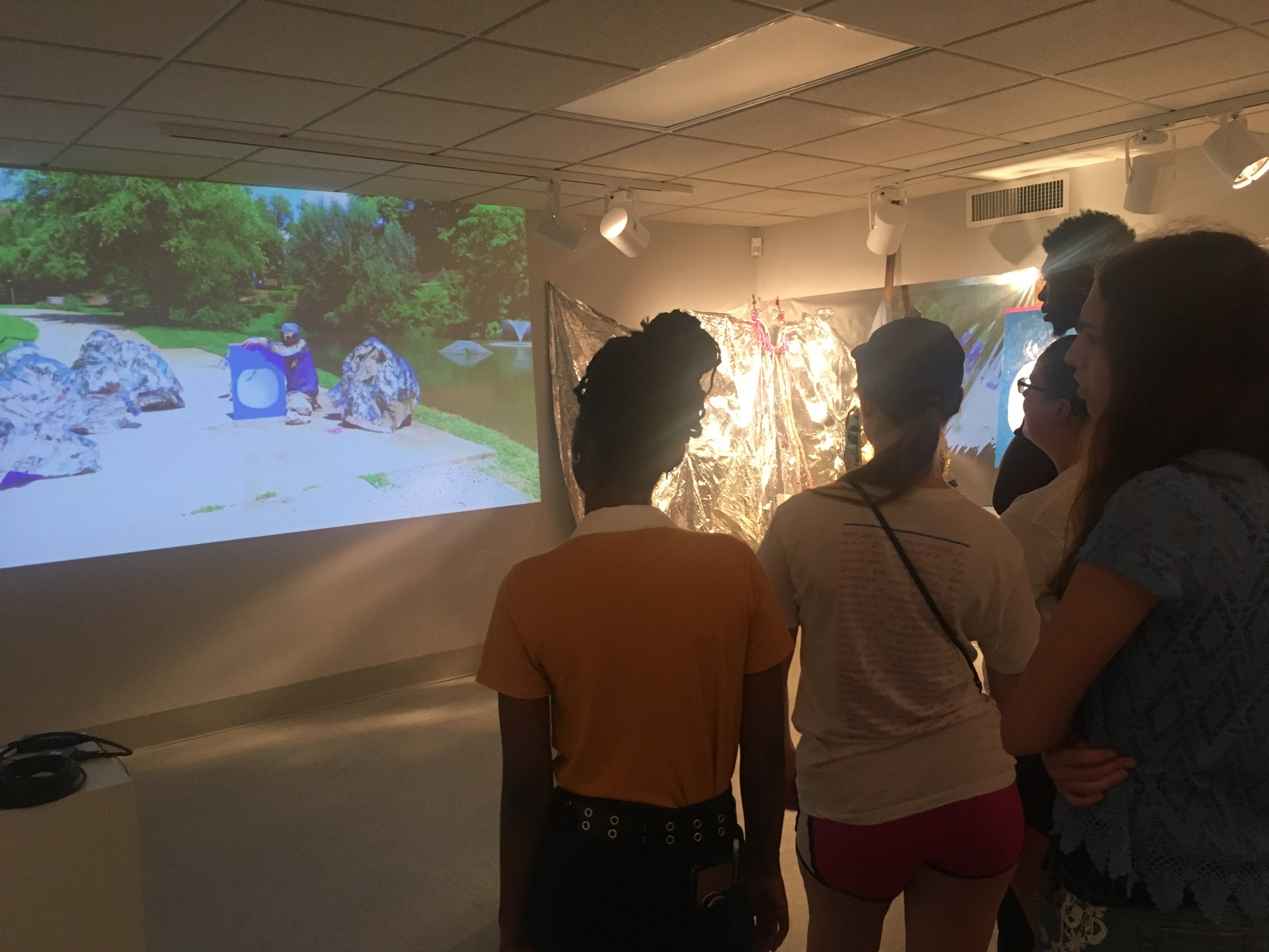 First Year Inquiry 101 class visit to justin carl hurty's the river: perpetual decay on the path to new landscapes.
