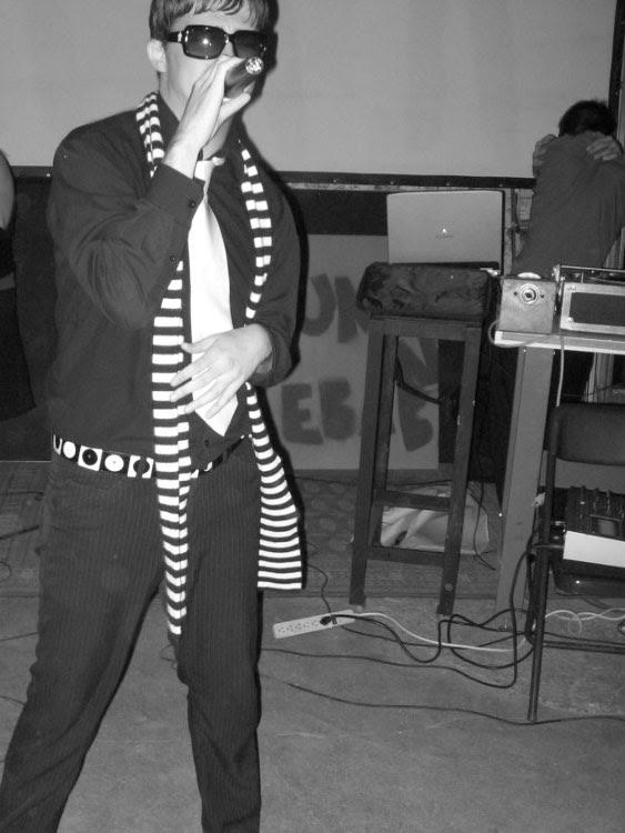 Sean Ward rap stripe scarf