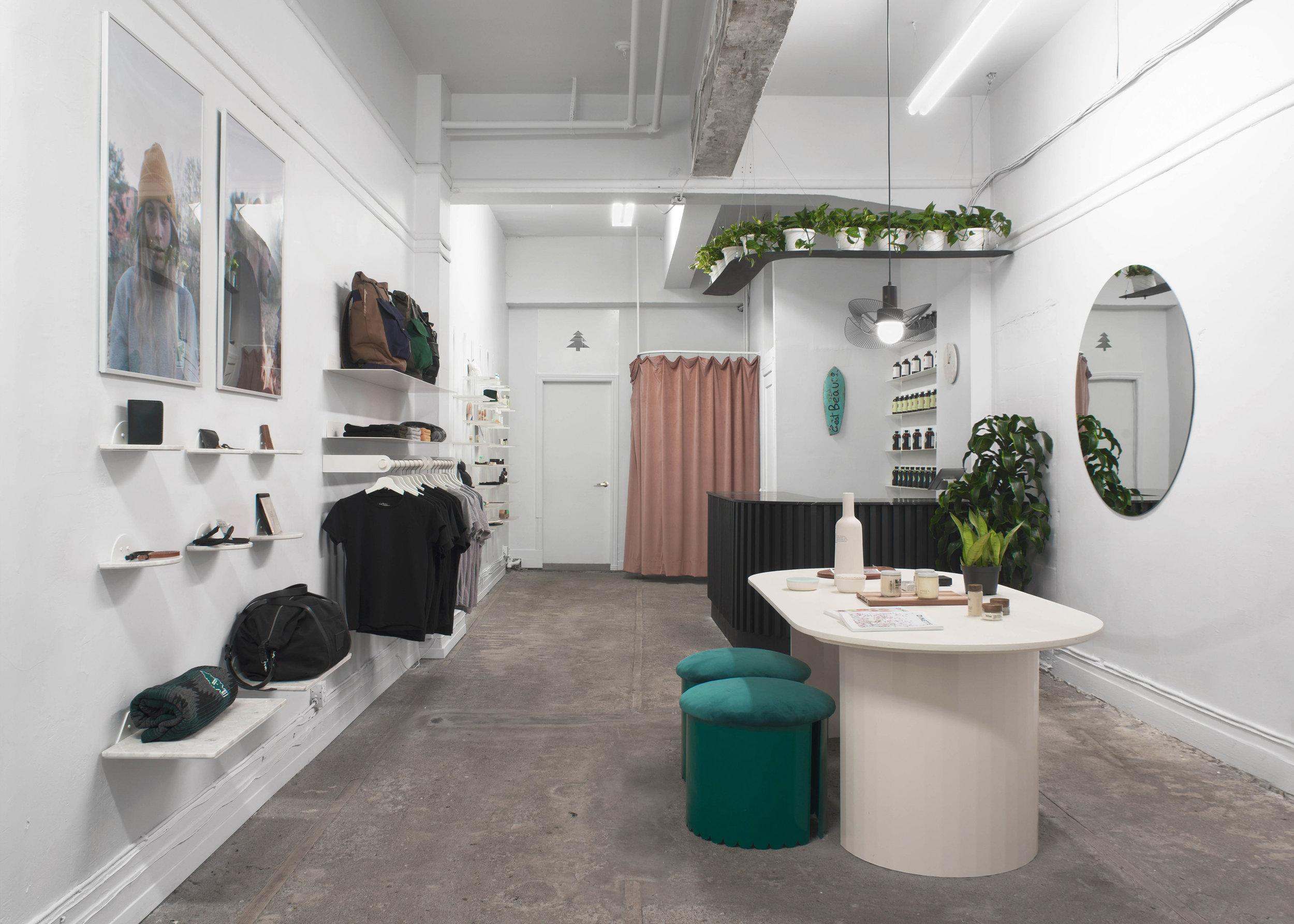 studio-botté_lamp_cest-beau_lighting_boutique_pendants_design-montreal-black.jpg