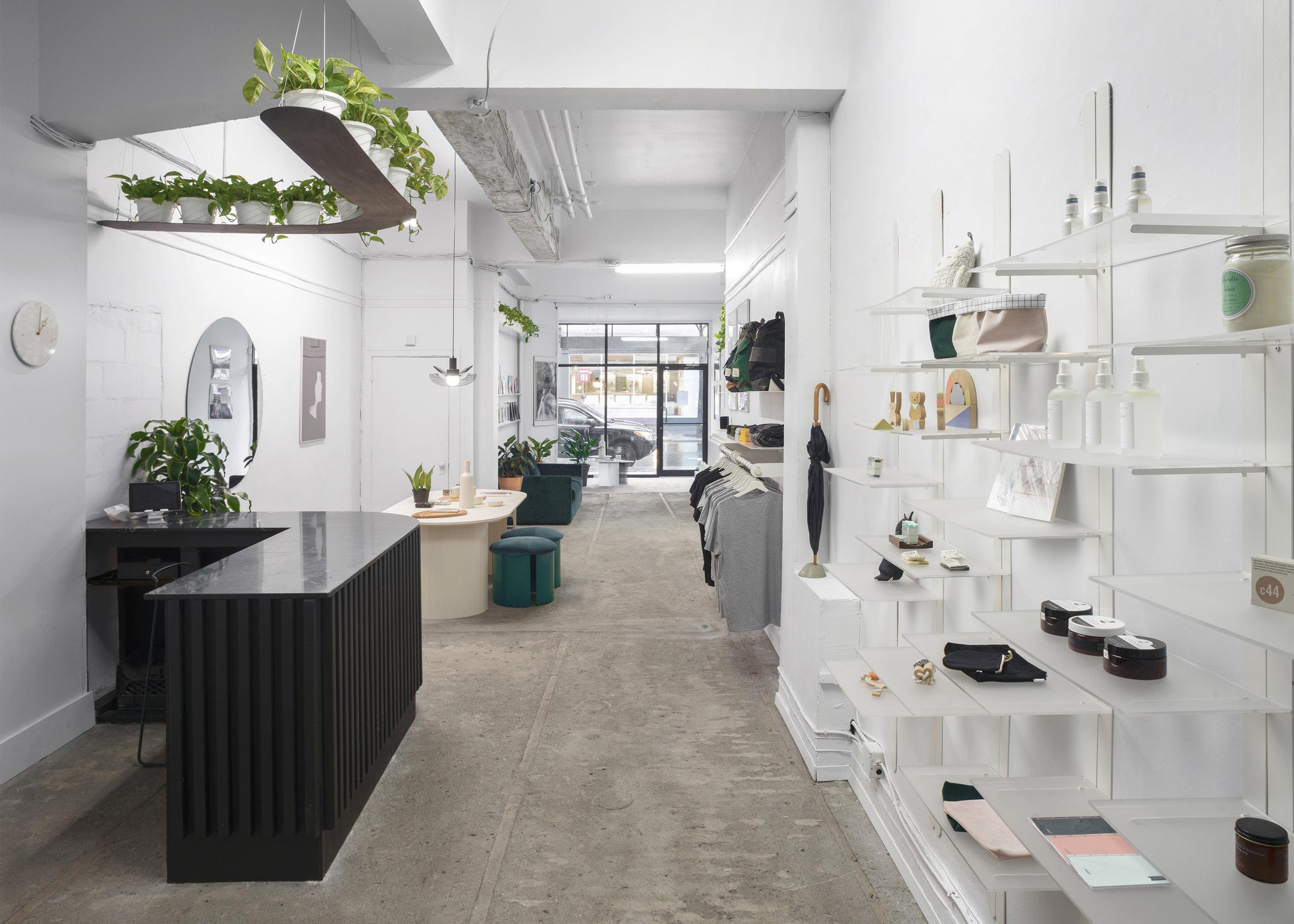studio-botté_lamp_cest-beau_lighting_boutique_pendants_design-montreal-boutique.jpg