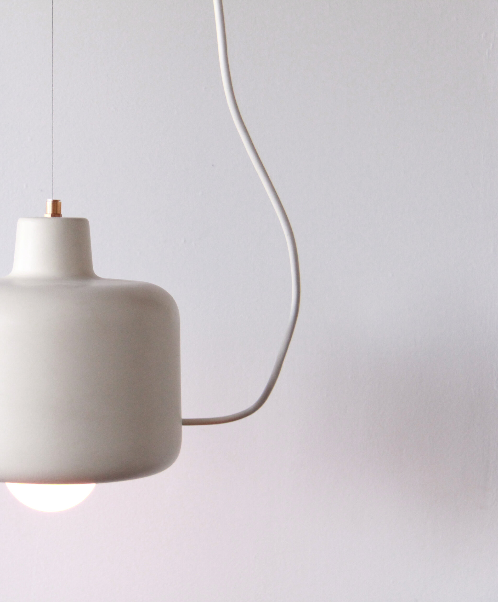 studio-botté_beige_Ramik_lamp_lighting_design_pendant_suspension_light_upcyle_ceramic_3.jpg