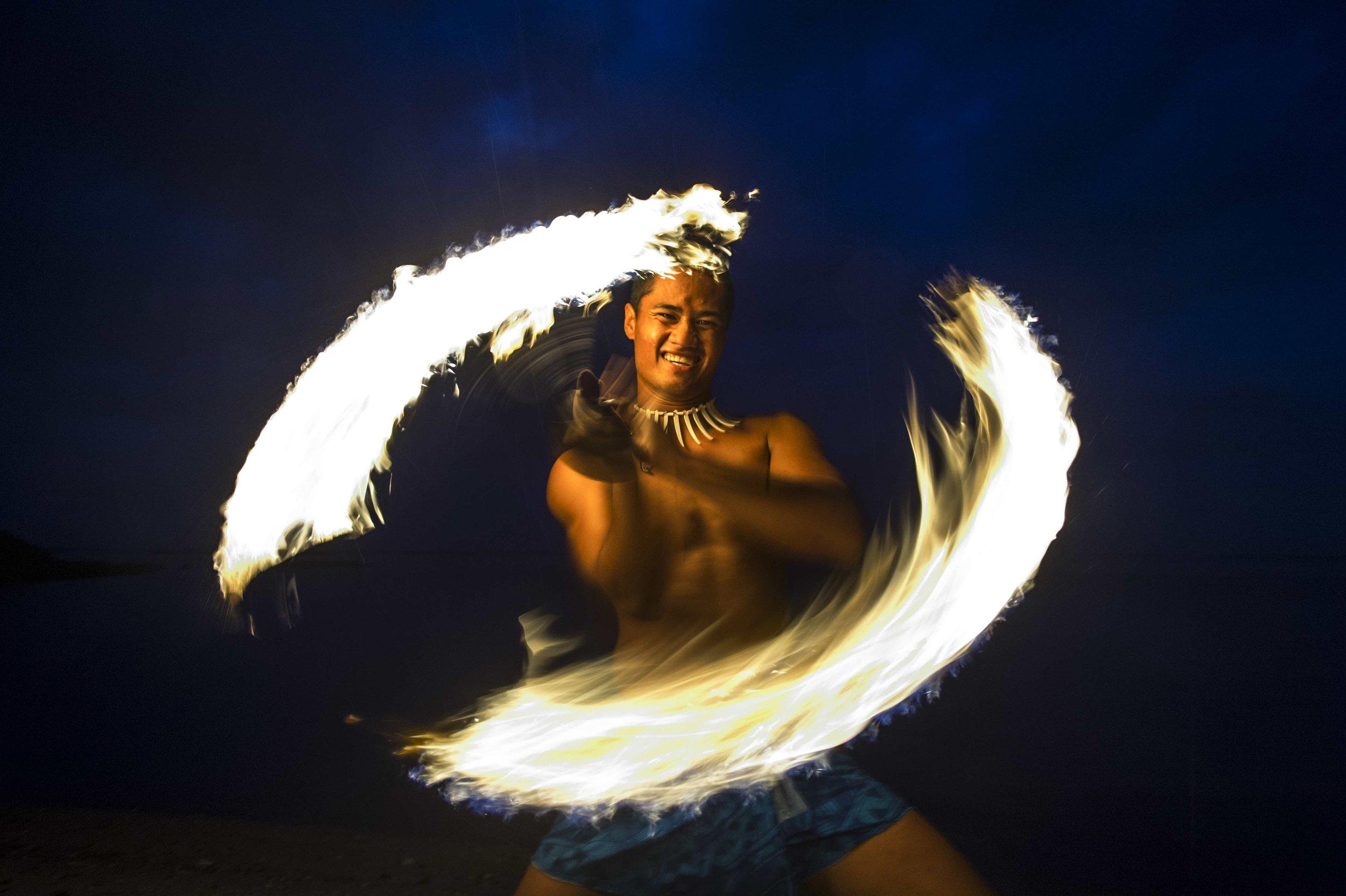 fire_dancing_show_samoa.jpg