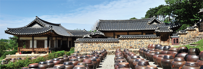 Hanok, traditional Korean houses. The ancient house of Yun Jeung, a Confucian scholar of the late Joseon (1392-1910) period, situated in Nonsan, Chungcheongnam-do, also called Myeongjae Gotaek after his pen name.