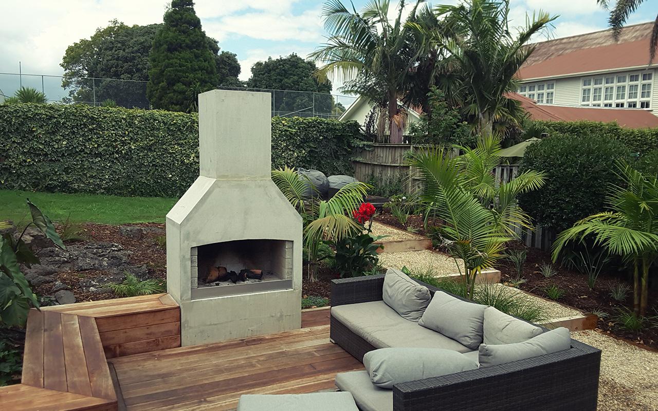 Outdoor-fire-setting--135423.jpg