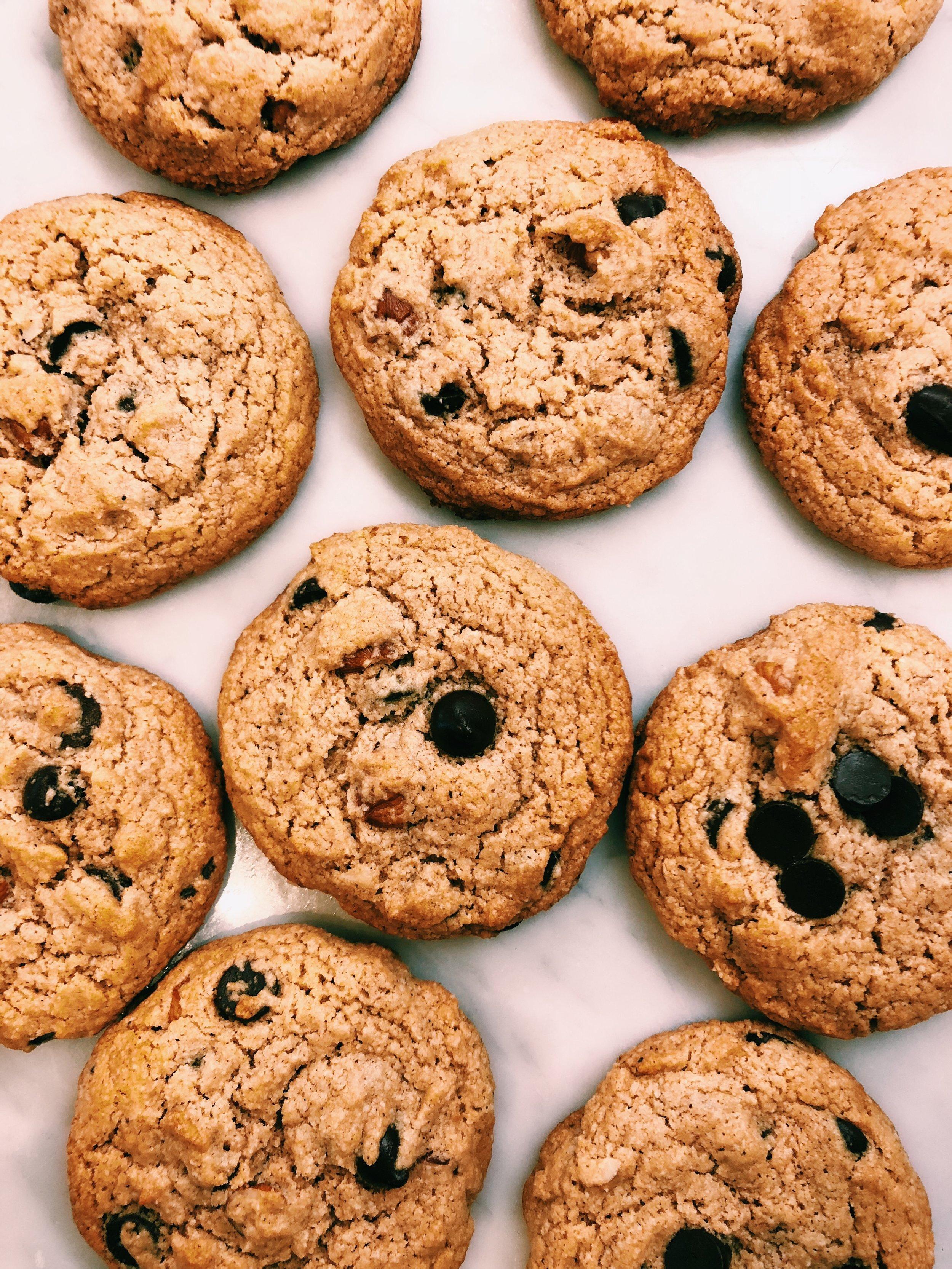 paleo chocolate chip hazelnut cookies by kalejunkie 2