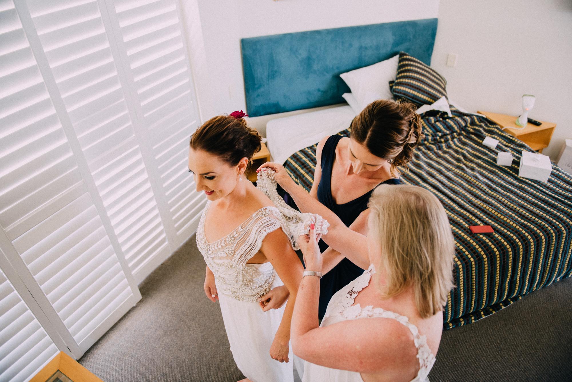 CaitlinSimon_Wedding_Web-18.jpg