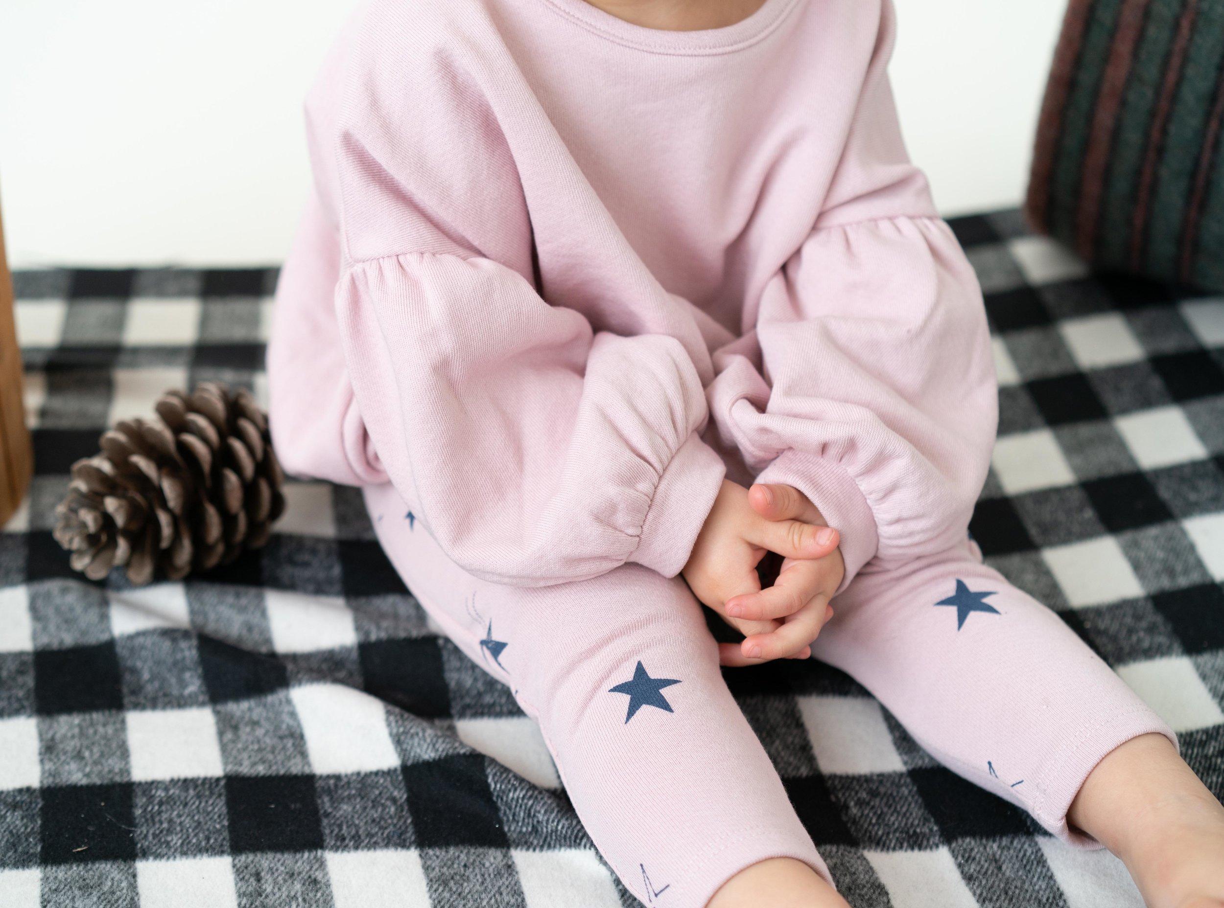 GirlSweatshirt1.jpg