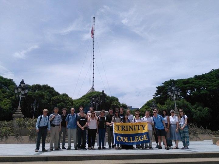 The Trinity College faculty and students at Chulalongkorn University  (Credit: Saittawut Yutthaworakool)