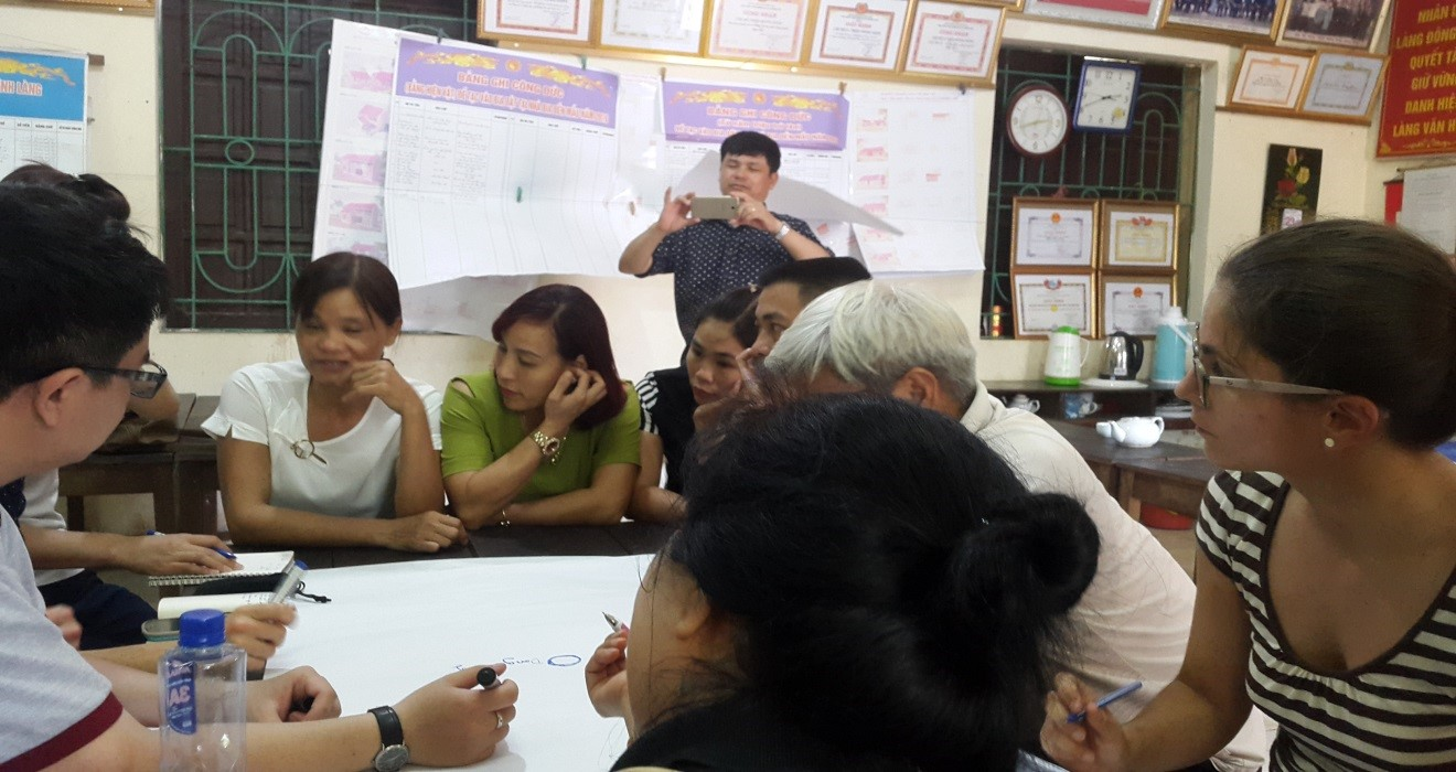 Photo 8: KNOTS migration group having focus-group discussion with villagers and union leaders