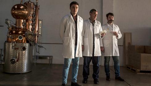 som-poor-toms-gin-gents-distillery.jpg