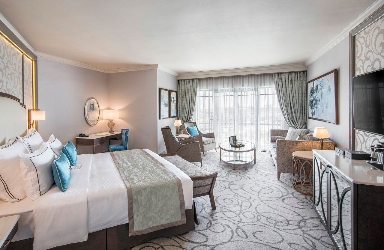 deluxe-room-with-balcony.jpg