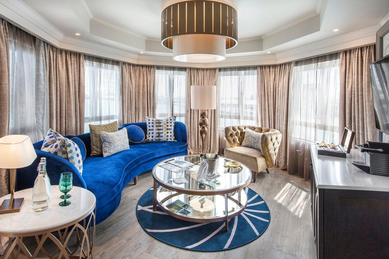 junior-suite-living-room.jpg