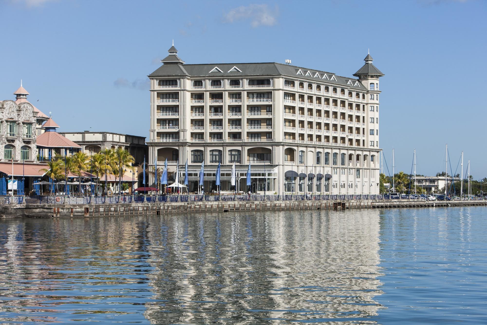labourdonnais-waterfront-1.jpg