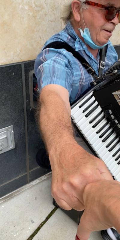accordian fist bump.png