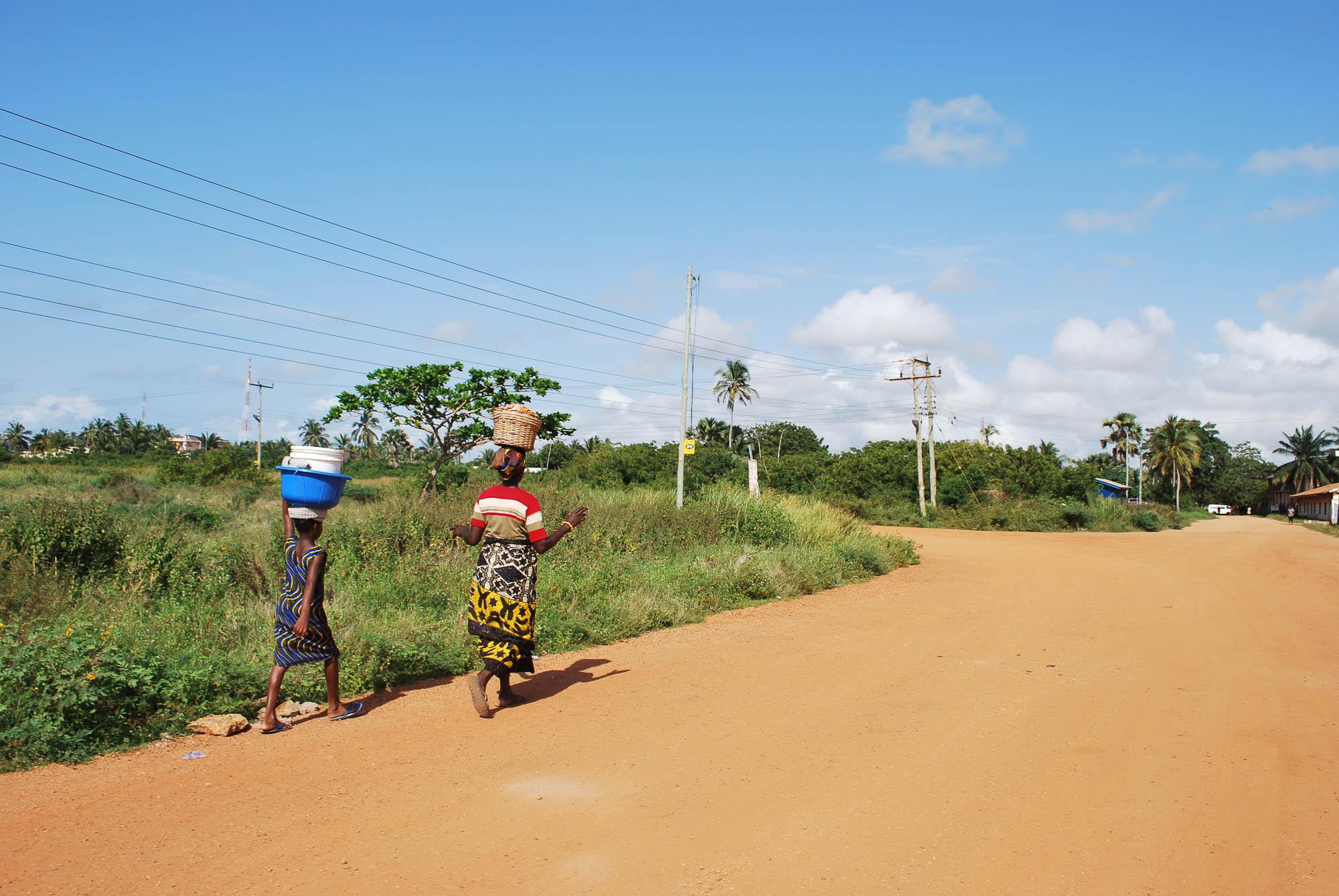 Ghana, Ada Foah street- copyright goldcoast.be.jpg