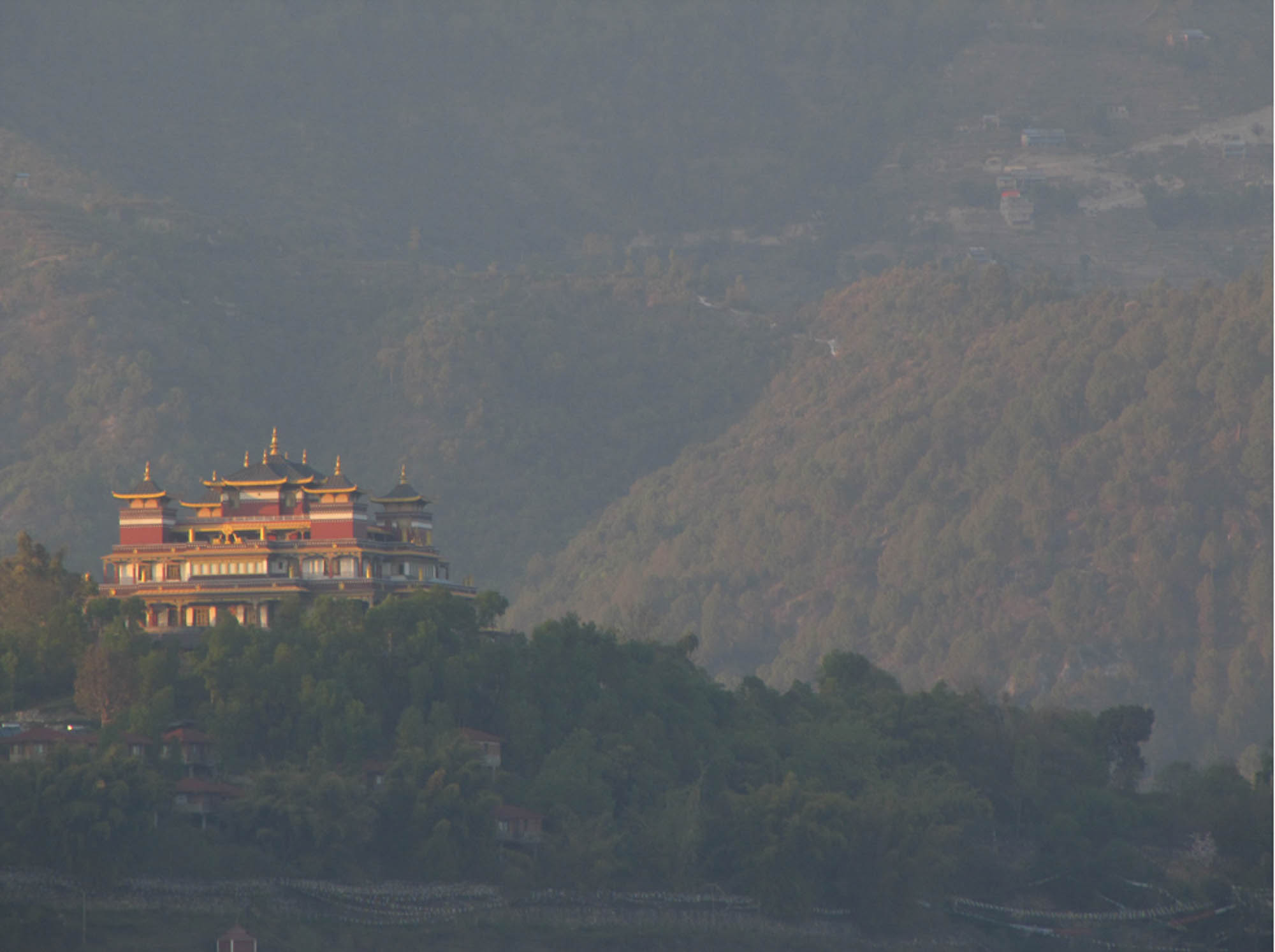 Nepal stuppa paysage.jpg