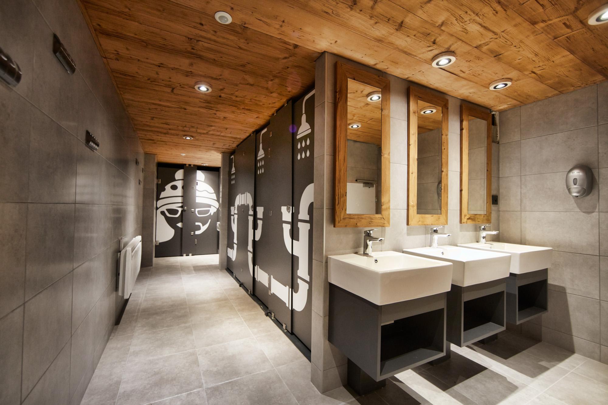Moontain Salle de bain à partager.jpg