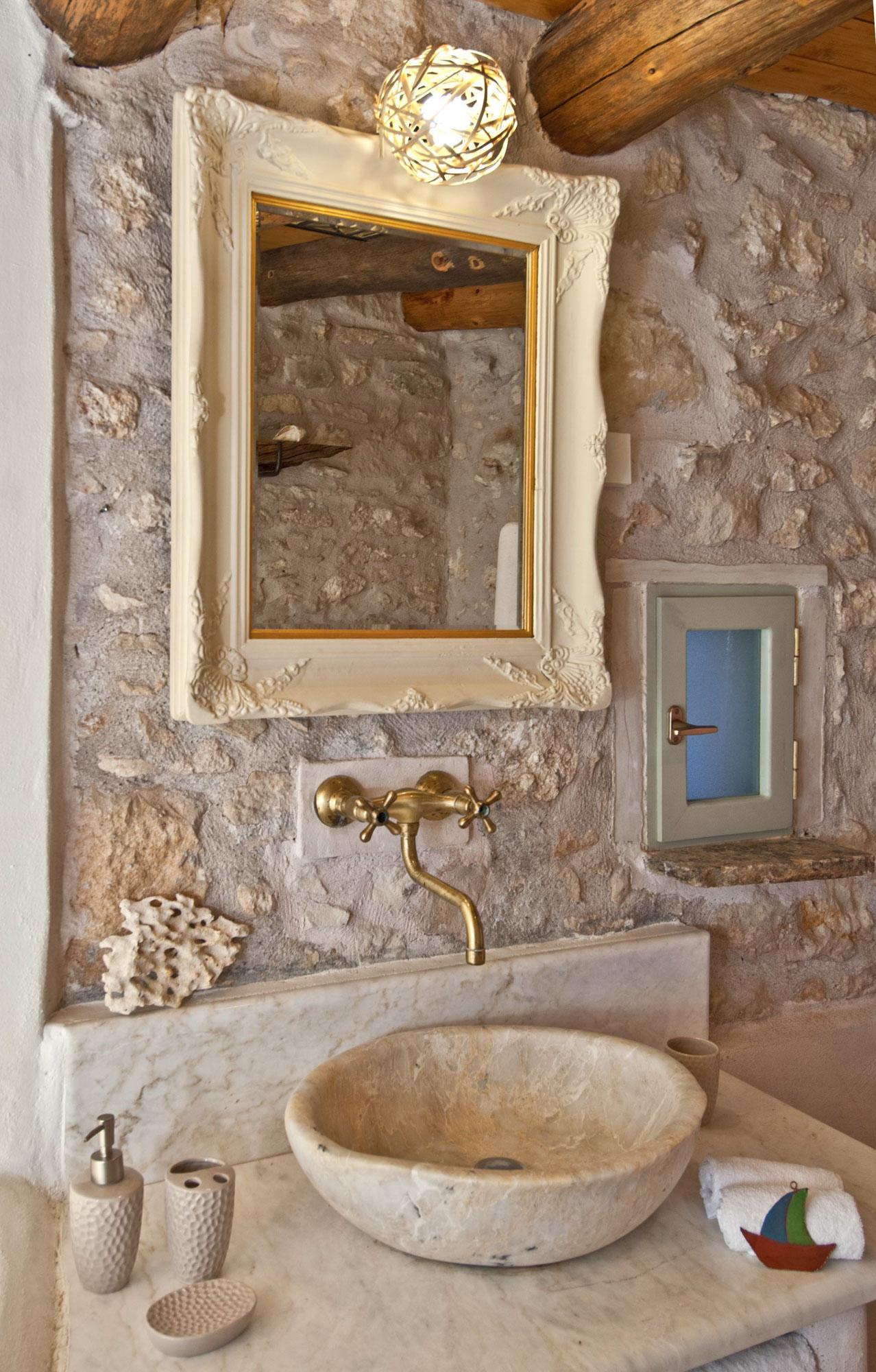 Critamo_Bathroom_DSC3442.jpg
