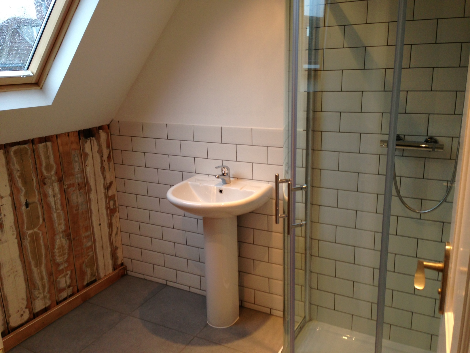 14 Cawdor Road Shower