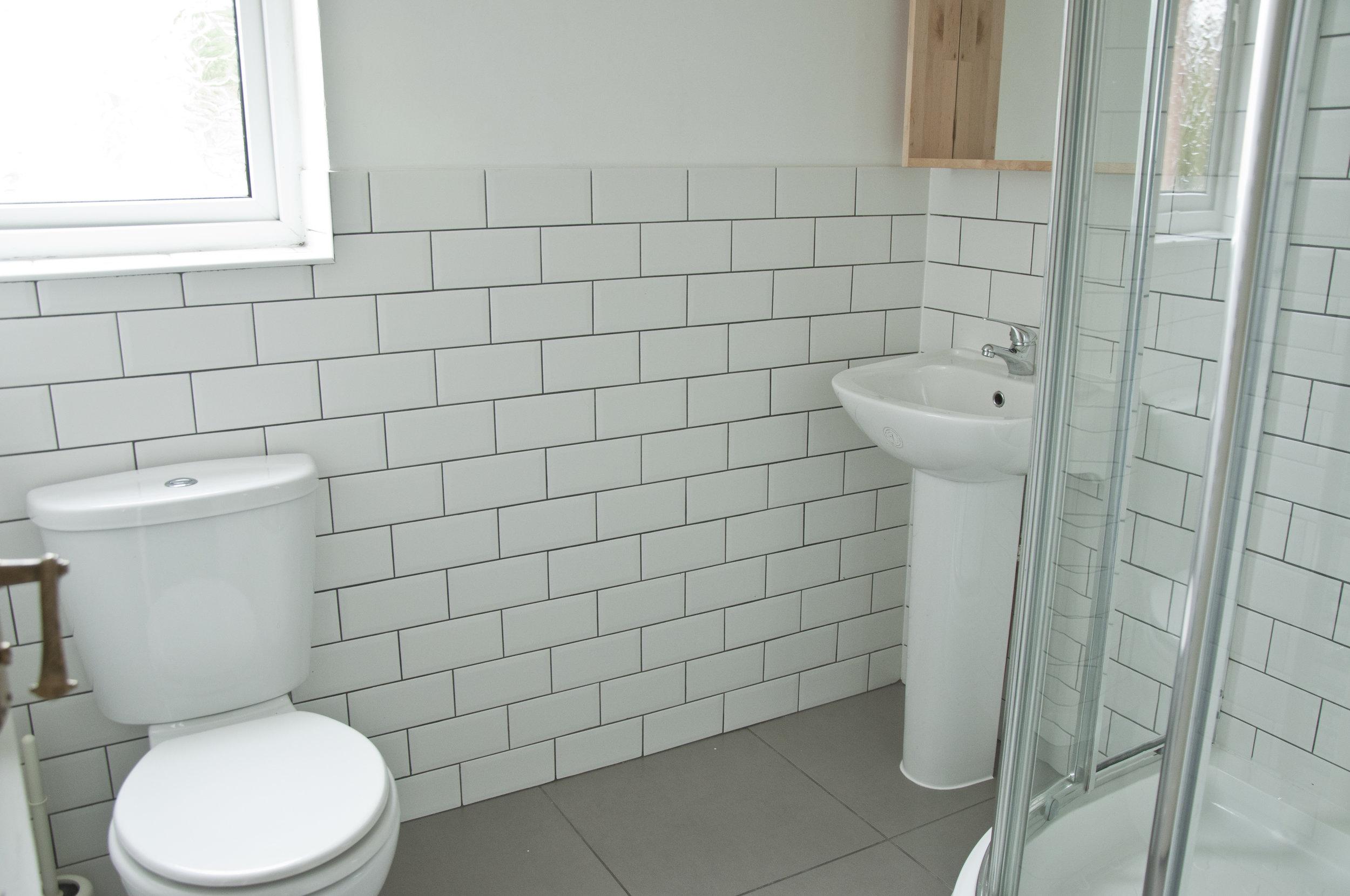 2 JJ Thompson Mews Bathroom