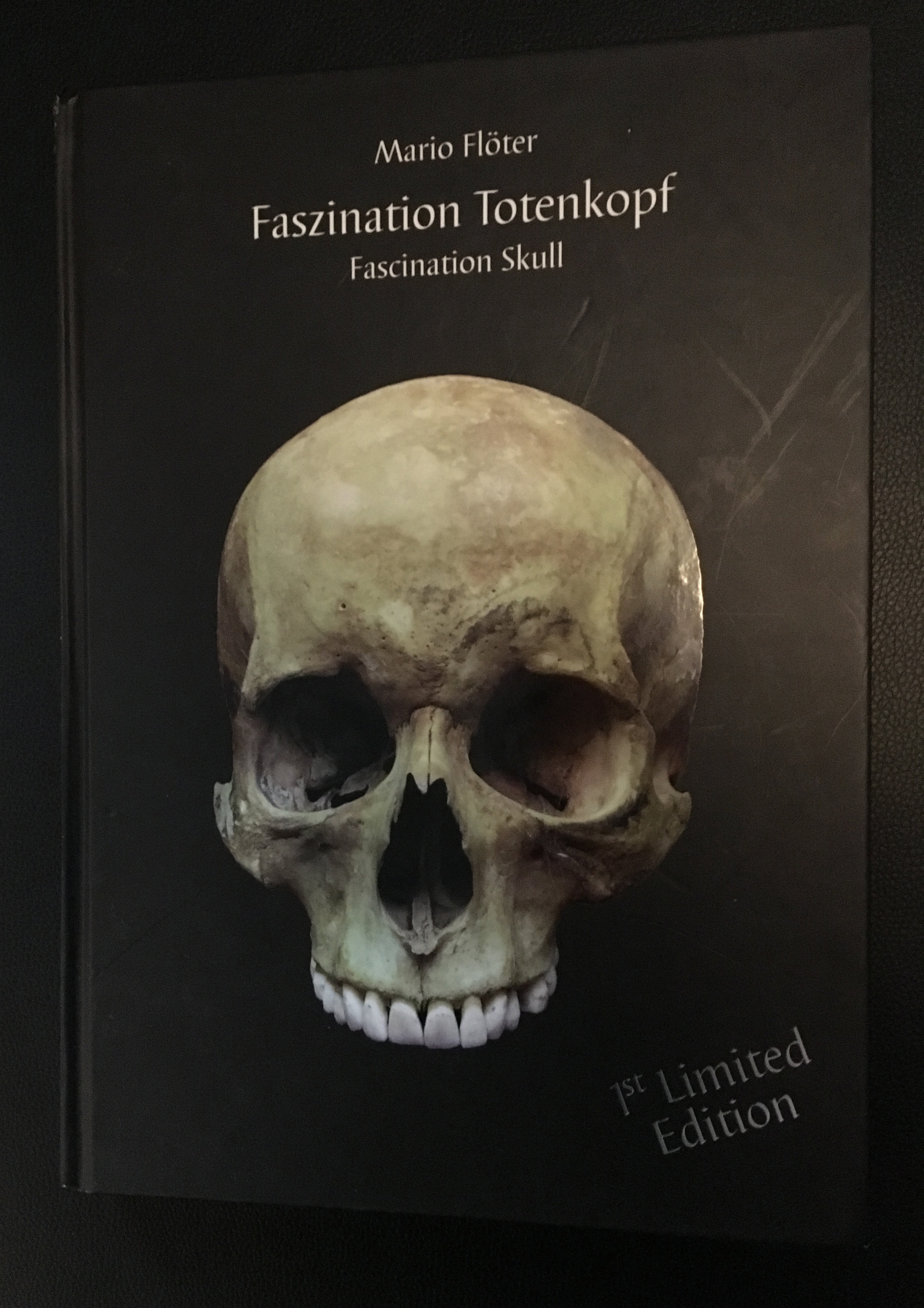 Faszination Totenkopf, Book