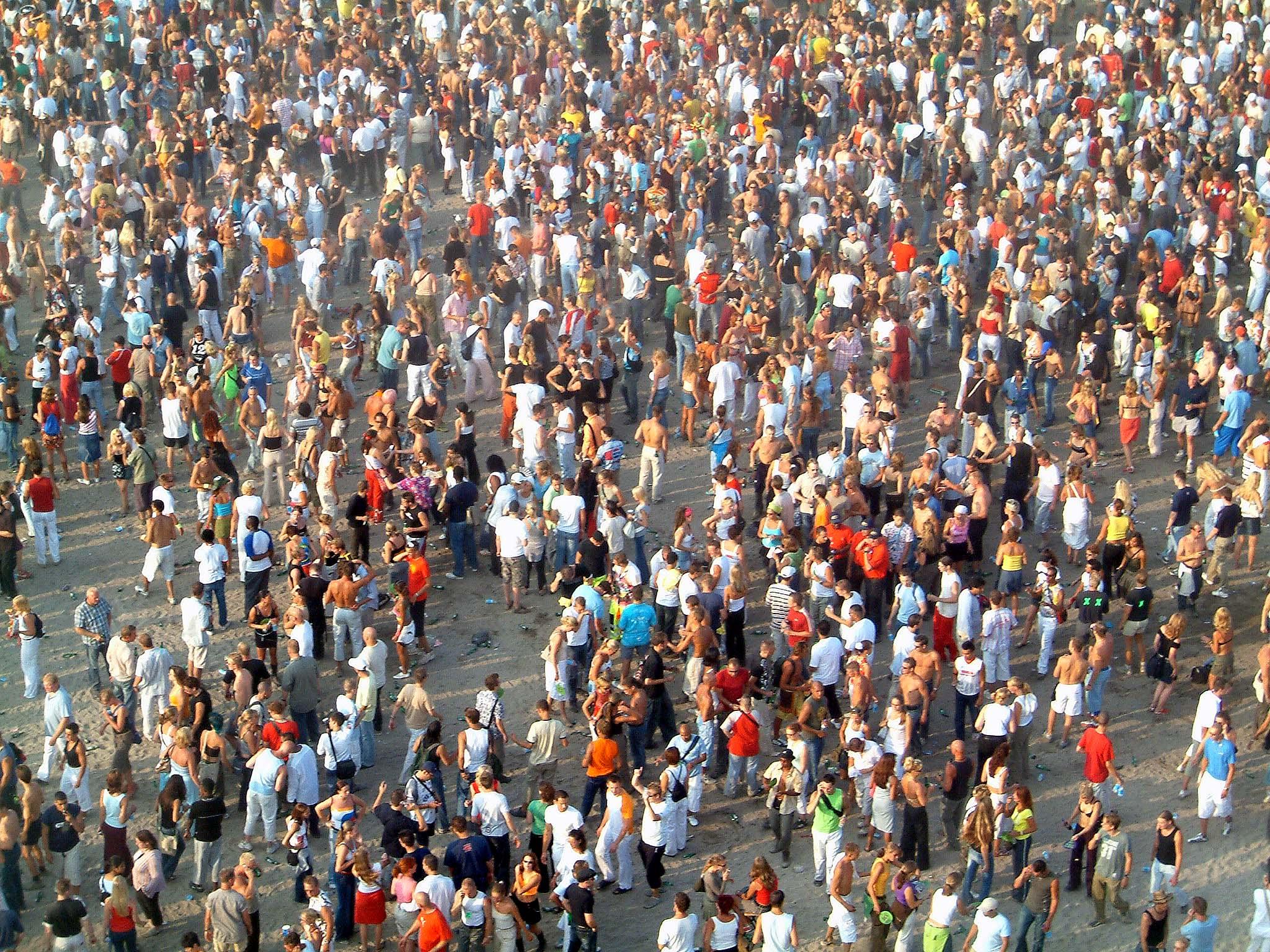 loads-of-people-1464557.jpg