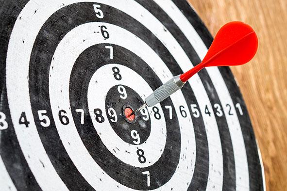 Damit sich Ziele von Wunschvorstellungen unterscheiden, müssen sie den fünf Messgrößen der SMART-Formel entsprechen.