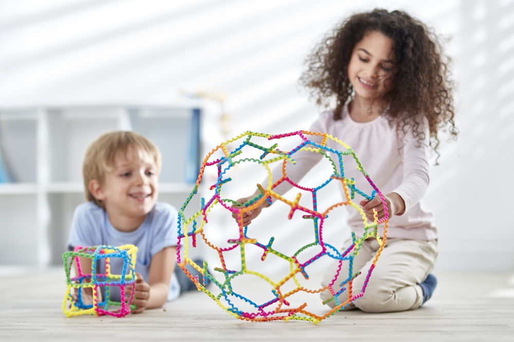 Brain-Bending Bundle - With endless possibilities Stems extends the boundaries of play and is a fun and captivating way for children to-Explore and Understand 3D Geometry.-Develop Fine Motor Skills, Coordination and Dexterity.-Develop Creative Problem Solving Skills.