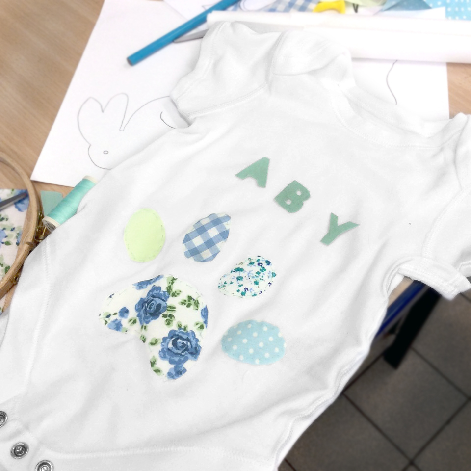 BABY GROW CUSTOMISATION CRAFTY HEN NOT.jpg