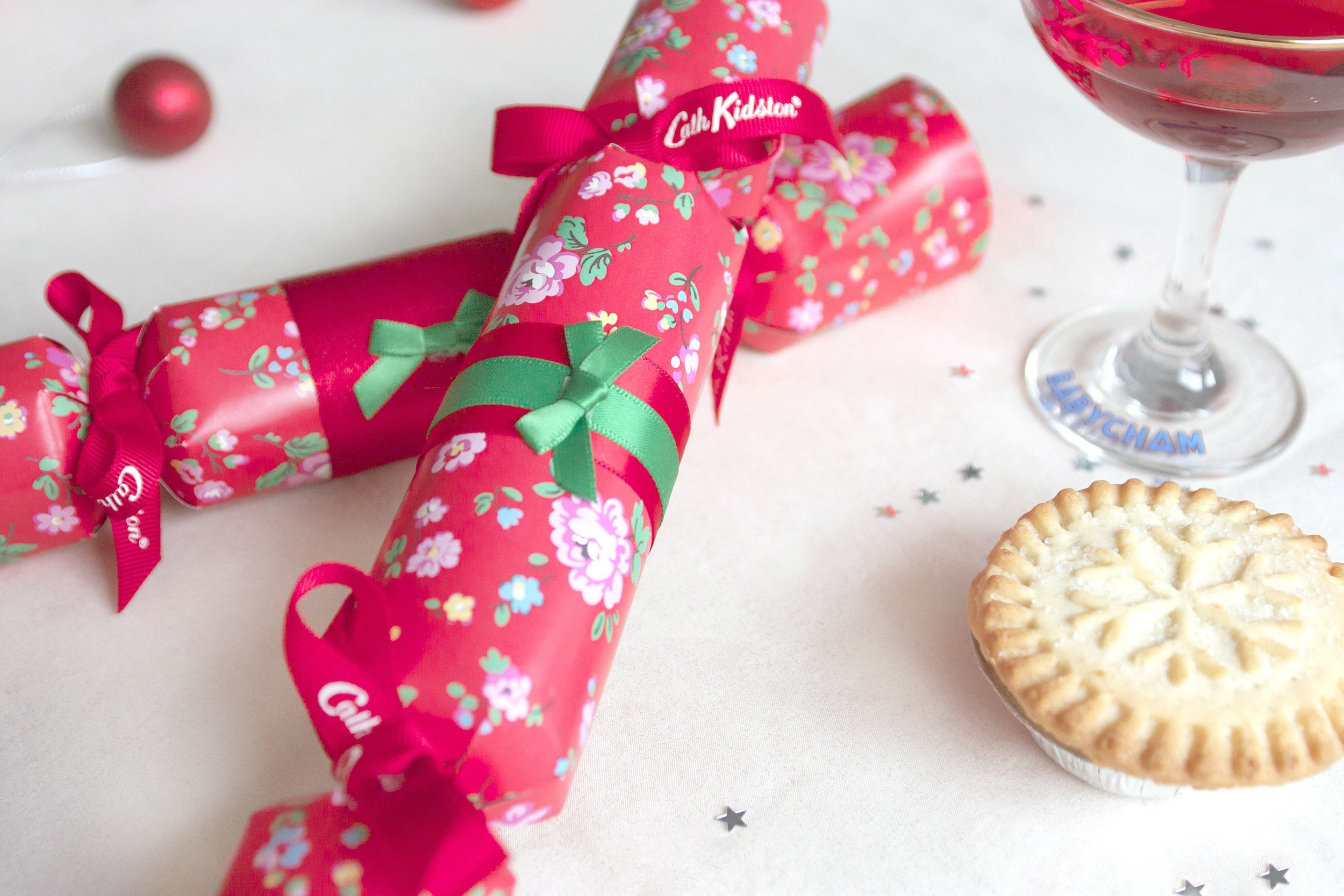 THE CRAFTY HEN CATH KIDSON HOW TO MAKE CRACKERS 4