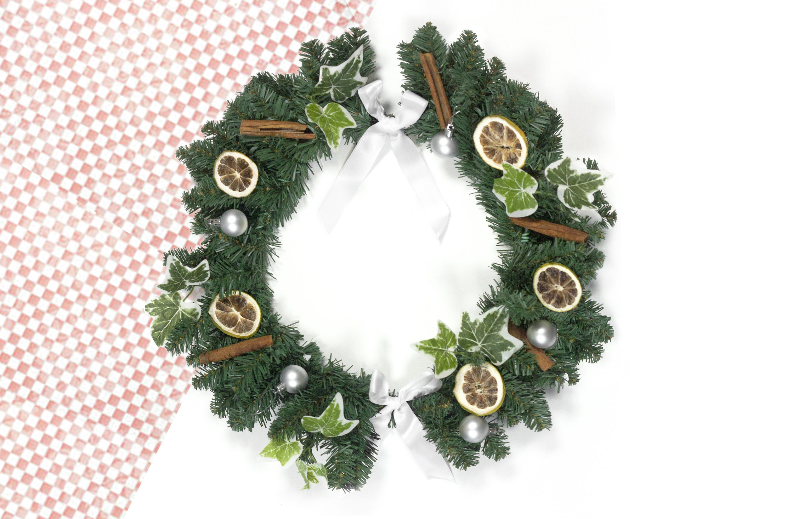 Wreath Making 1 Cinn Orange Ivy red.jpg