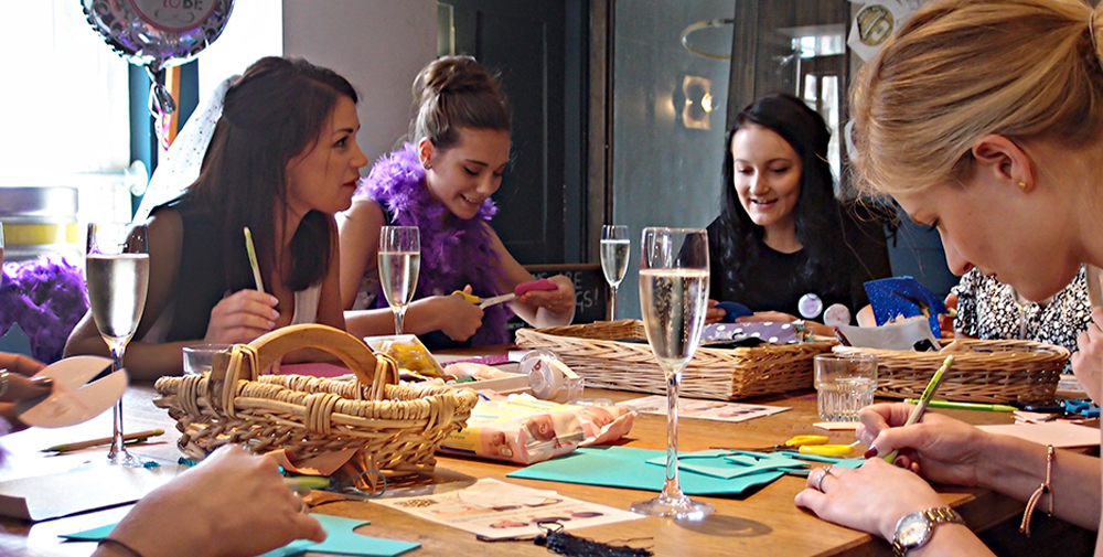 The+Crafty+Hen+CREATIVE HEN DO IDEA NORFOLK.jpg