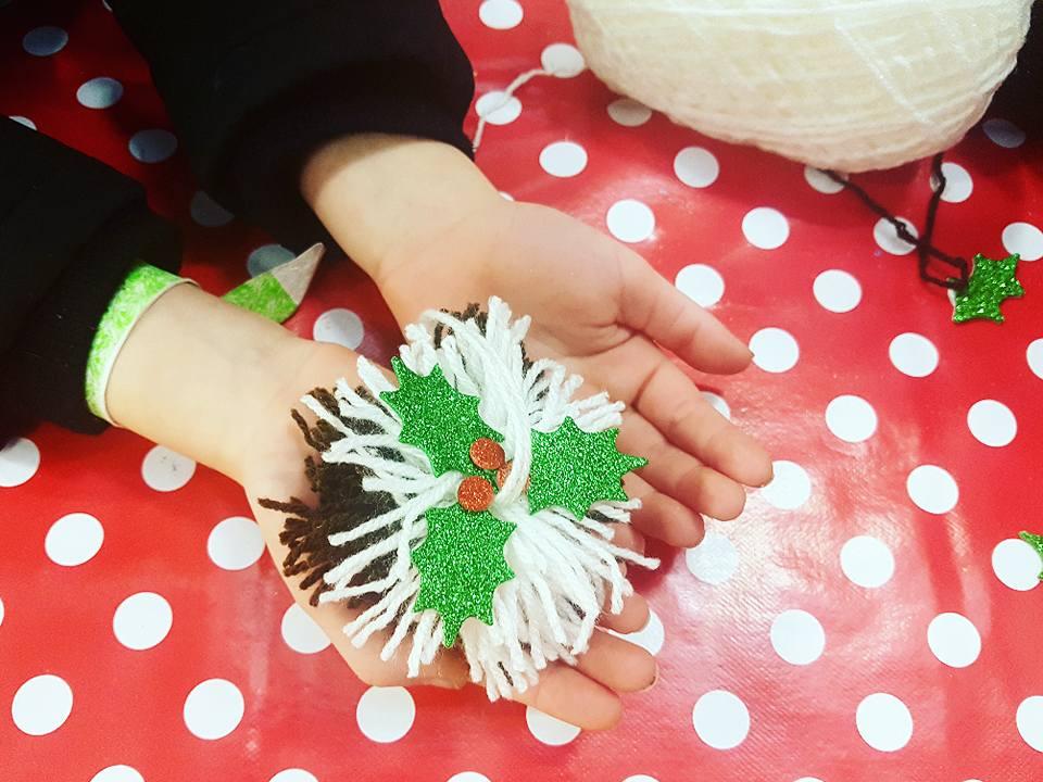 Children christmas craft workshop in store