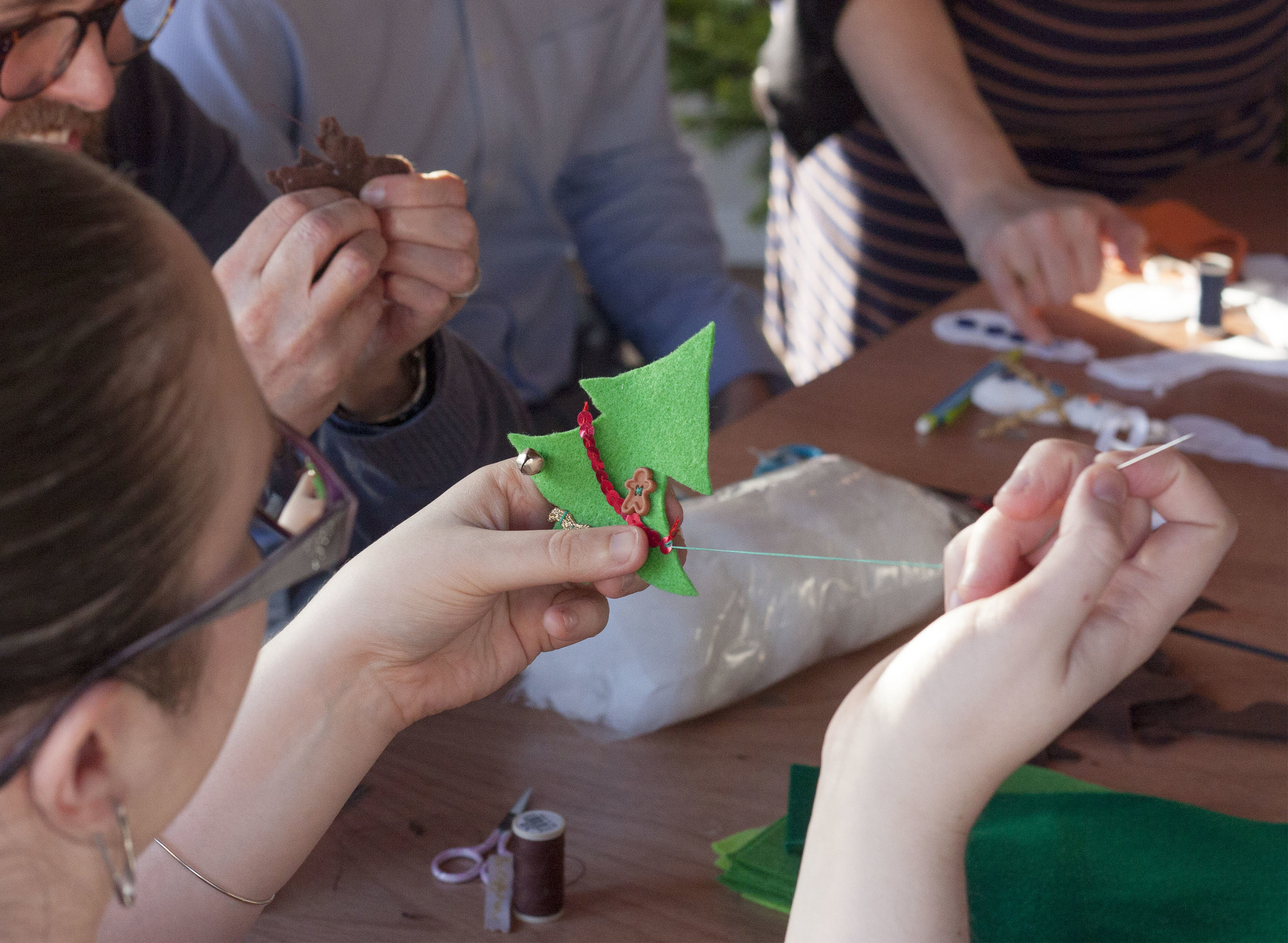 CHRISTMAS DECORATION MAKING WORKSHOP copy.jpg