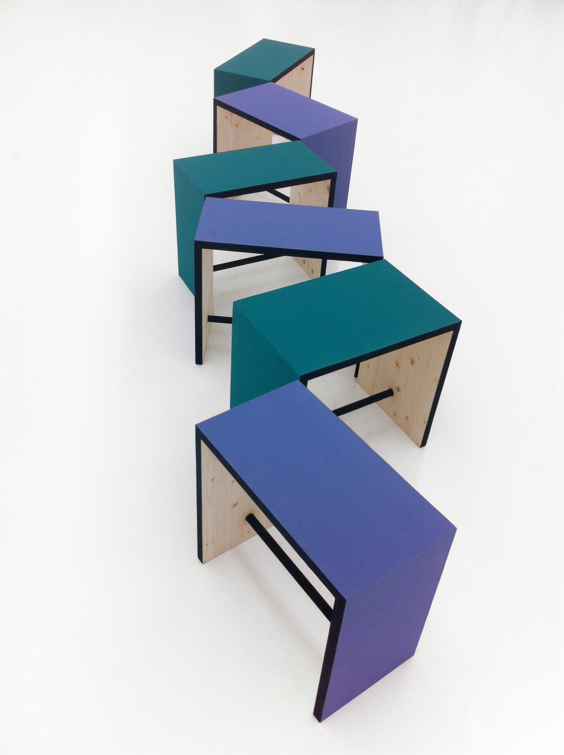 Billow Bench, 2012 Holz mit Buchleinen überzogen, Scharniere ca 300 x 45 x 50 cm
