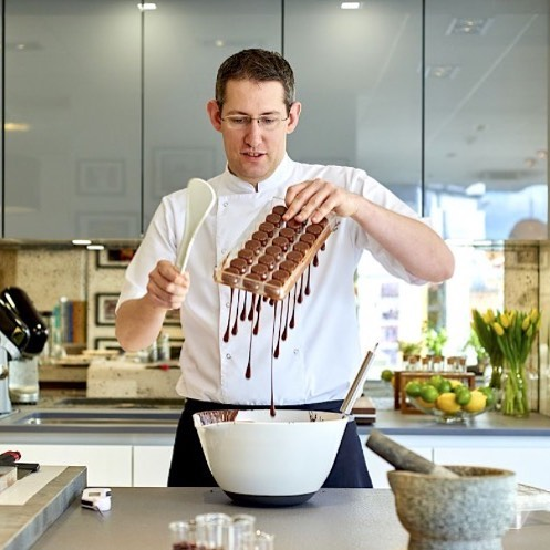 Big day today! Good luck to @choc_barry who is competing in the @worldchocolatemasters UK National Selection 🍀Should be a great competition! Looking forward to seeing the amazing work from all the competitors. #worldchocolatemasters #chocolate #competition @cacaobarryofficial #chocolateshowpiece #futropolis