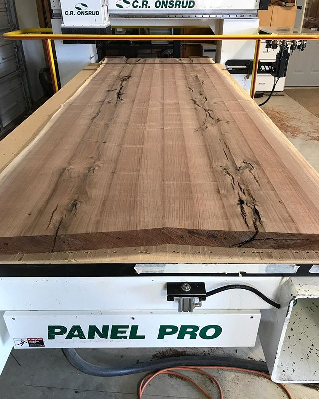 Now that's a #walnut #slabtable !!!! 😵😳🤤