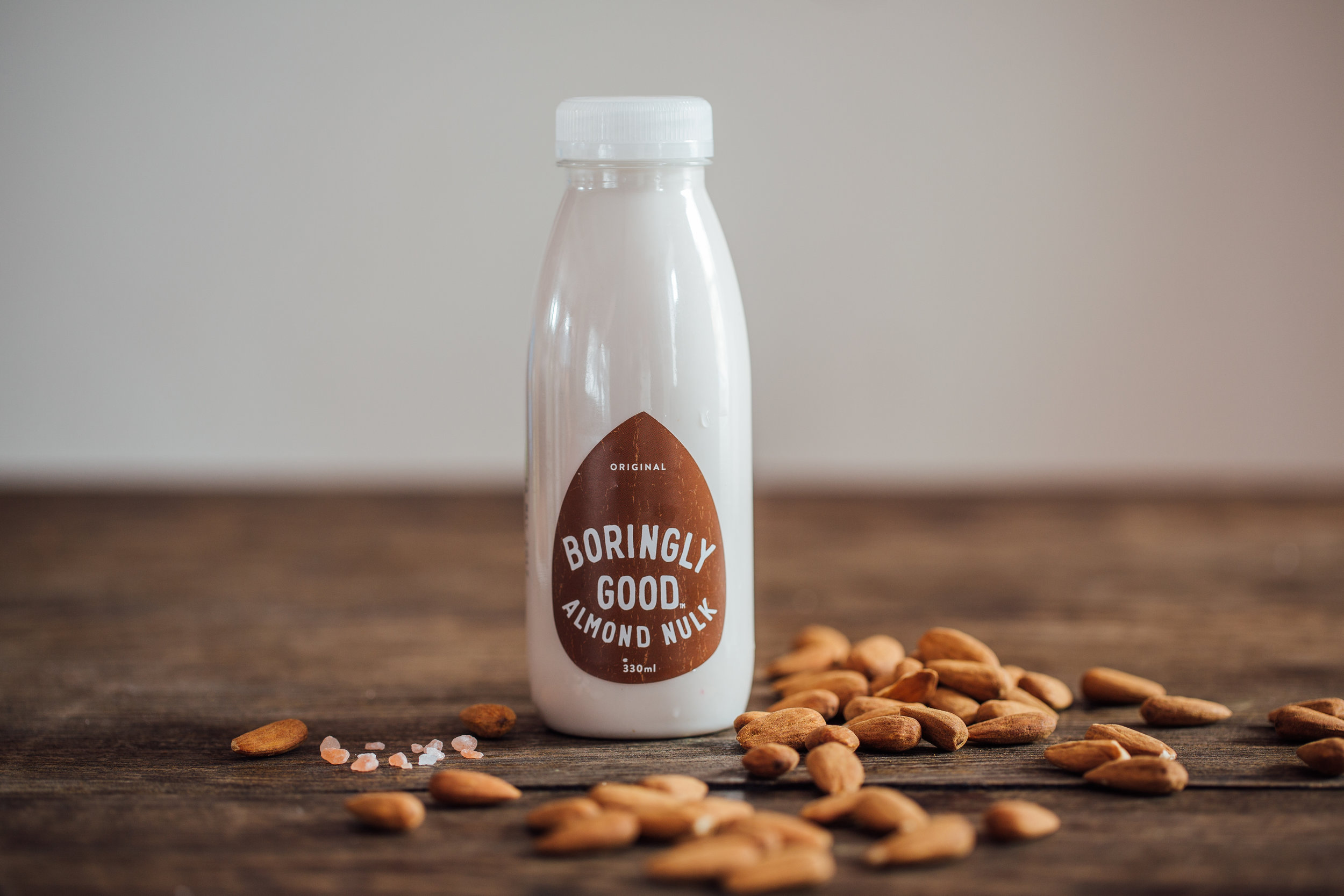 Original Almond Nulk - Our delicious, pure Original unsweetened Almond Nulk.Just Almonds, water, salt.... nothing elseIngredients:Almonds (10%), Water, Pink Himalayan Salt.Typical Nutritional Values (per 100ml) Energy 176KJ (67 kcal),Fat 5.9g (saturates 0.6g),Carbohydrate 0.7g sugar 0.5g),Protein 2.7g,Salt 0.1g