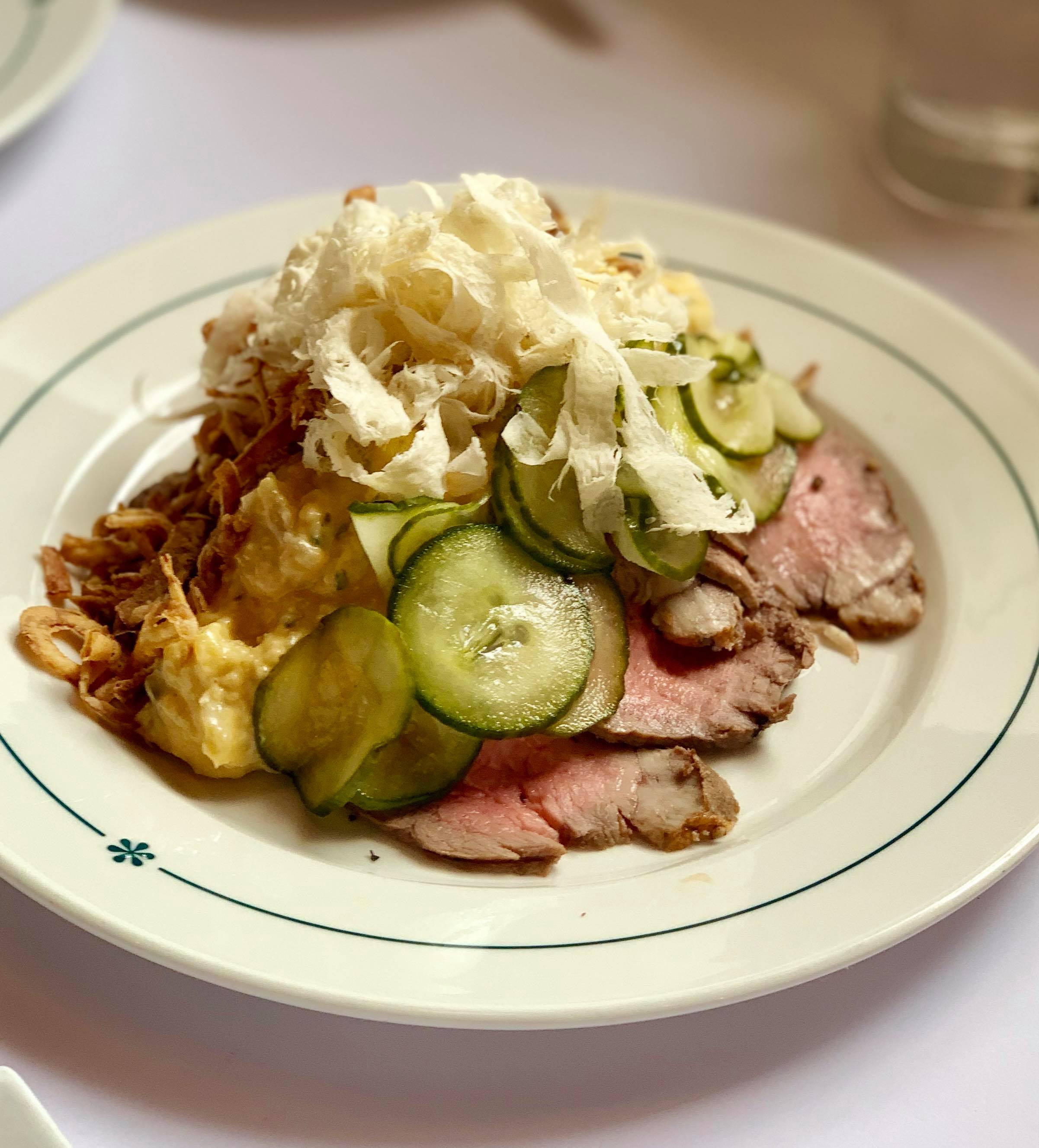 - Roastbeefwith remoulade, grated horseradish, cucumber salad and crispy onions