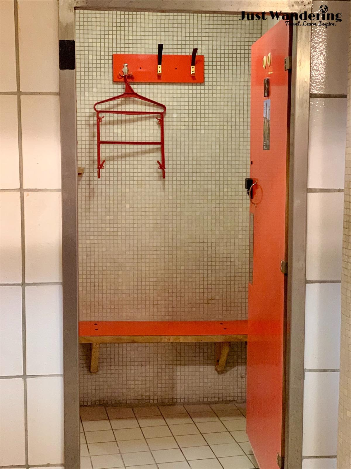 - As with most bathhouses in Budapest, your entrance fee depends on whether you choose a locker to store your belongings, or a private 'cabin' changing room to use for the duration of your stay for a higher price. I always recommend the cabin for the extra private space!
